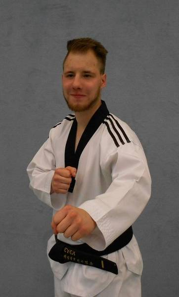 taekwondo-kindertrainer-moritz-steven